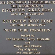 Plaque on memorial plinth at Riverview